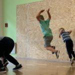 Hüpfen und Springen bei Kindern